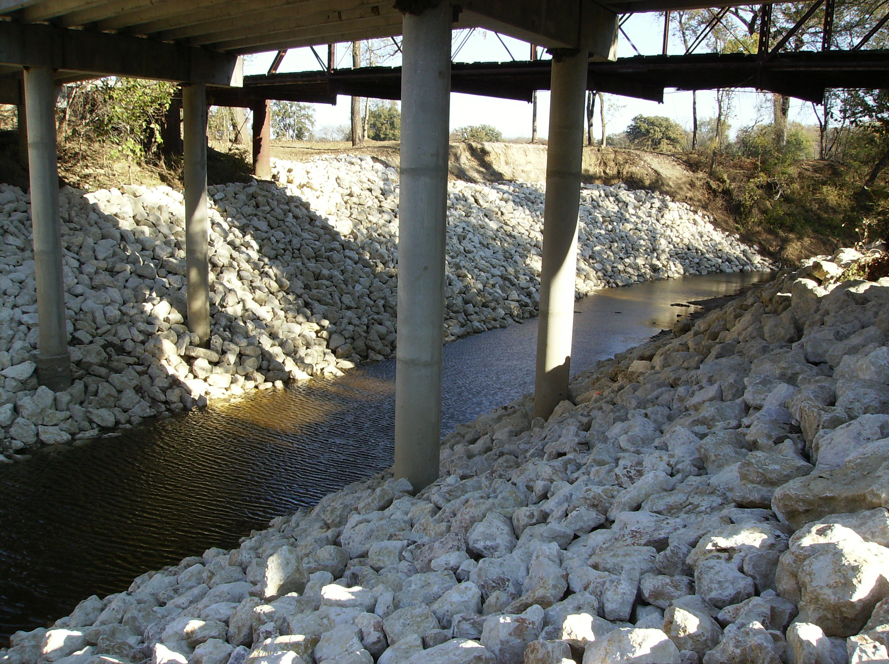 White rocks placed under the bridge